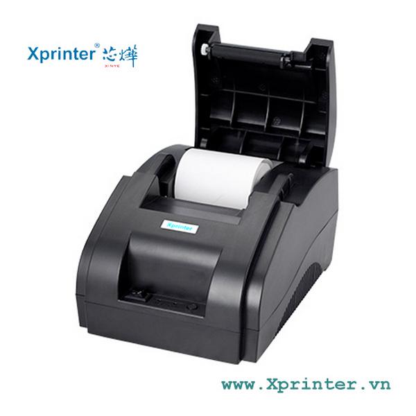 Mở nắp máy in Xprinter XP-58iiH Bluetooth khi máy đã được ngắt hoàn toàn